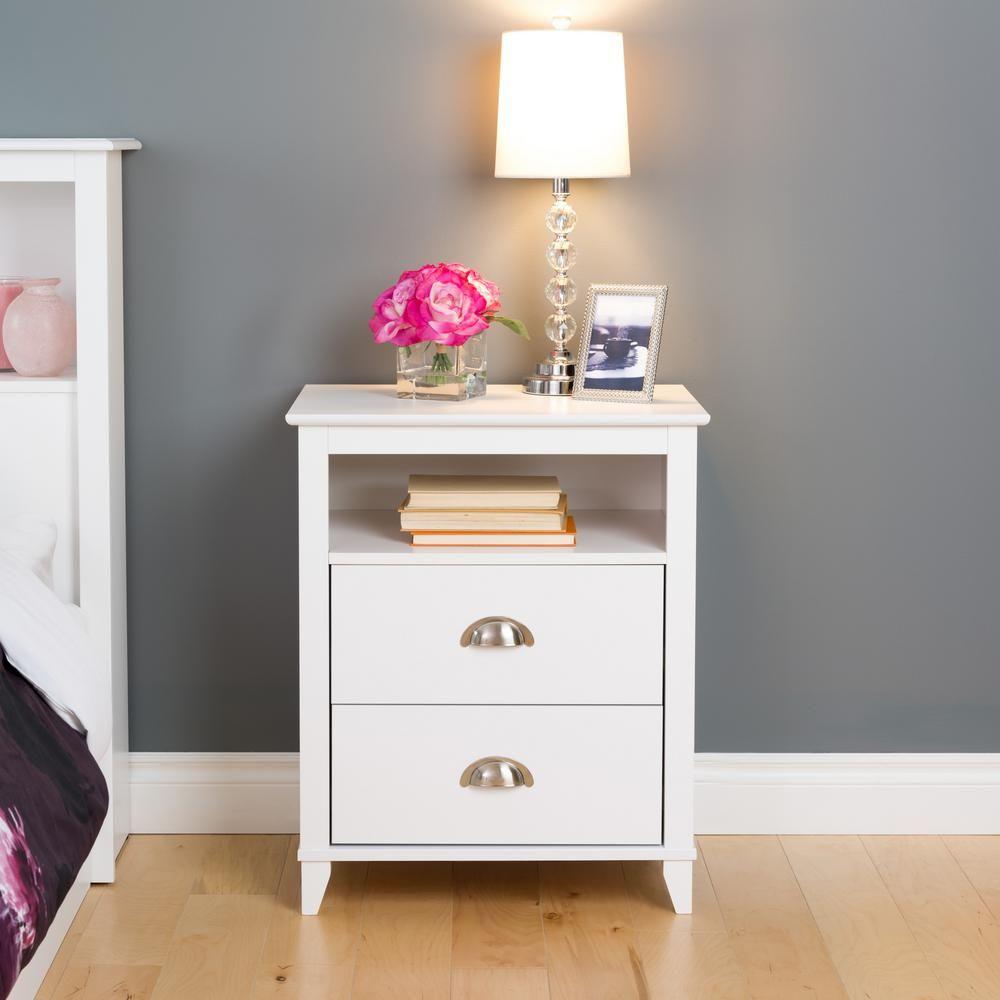 nakas lampu murah terbaru, nakas lampu duco putih, nakas lampu minimalis, bed side white solid, nakas laci kayu, drawer murah, nakas lampu jepara, nakas tempat tidur murah berkualitas